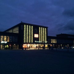 Photo taken at Duisburg Hauptbahnhof by Oxana L. on 11/29/2012