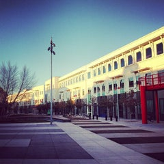 Photo taken at Facebook HQ by Heiko H. on 1/16/2013