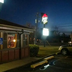 Photo taken at Pizza Hut by Joel C. on 12/24/2012