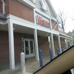 Photo taken at Wawa by Tripp W. on 12/19/2012