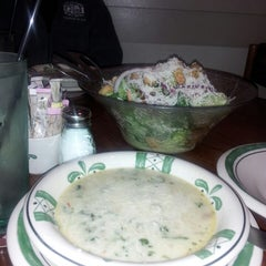 Photo taken at Olive Garden by Walt B. on 3/12/2013