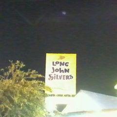 Photo taken at Long John Silver's by Ross V. on 9/20/2012