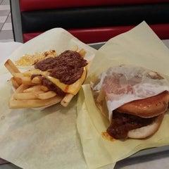 Photo taken at Original Tommy's Hamburgers by Jeffrey K. on 10/12/2013