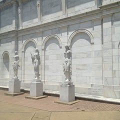 Photo taken at Memphis Brooks Museum of Art by Lori W. on 7/7/2013