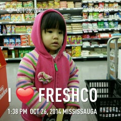 Photo taken at FreshCo by Tanto 陈. on 10/26/2014