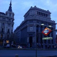 Photo taken at Metro Banco de España by Mario Temerario's Beats on 3/15/2015