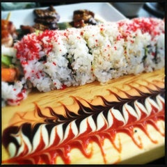 Photo taken at Yuzu Sushi and Robata Grill by Natalie B. on 5/26/2013