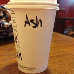 Photo taken at Starbucks by Ash Lisa T. on 8/20/2014