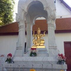 Photo taken at เทวสถาน (โบสถ์พราหมณ์) Dhevasathan (Brahmin Shrines) by Jay B. on 4/18/2015