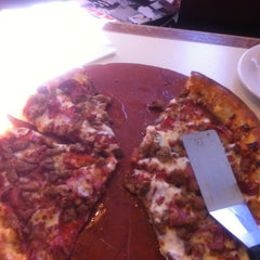 Photo taken at Pizza Hut by Pooky B. on 2/18/2013