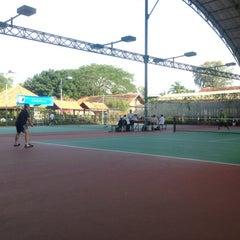 Photo taken at Văn Thánh Tennis Court by Son P. on 12/16/2012