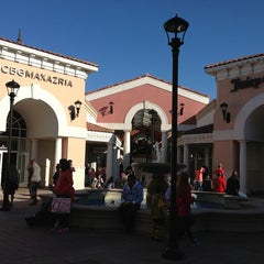 Photo taken at Perry Ellis - Orlando Premium Outlets - International Dr. by Anna I. on 3/28/2013