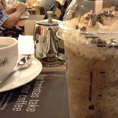 Photo taken at McDonald's / McCafé by Khairil A. on 12/15/2012