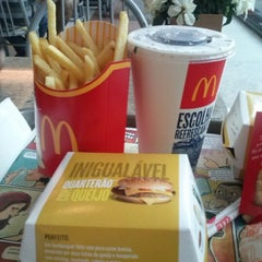 Photo taken at McDonald's by Jéssica Y. on 12/29/2012