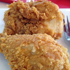 Photo taken at KFC (เคเอฟซี) by Lovely P. on 2/26/2015