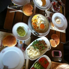 Photo taken at Saray Muhallebicisi by 🎀Pamuk A. on 12/8/2012