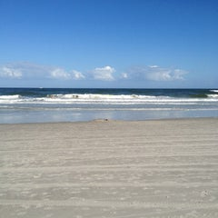 Photo taken at Jax Beach At South 15th Ave by Dennis V. on 11/11/2012