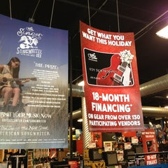 Photo taken at Guitar Center - Closed by Drmossman M. on 12/4/2013