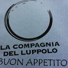Photo taken at La Compagnia Del Luppolo by Marzia F. on 6/22/2013