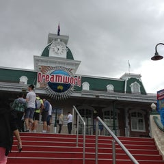 Photo taken at Dreamworld by Sultan M. on 6/12/2013