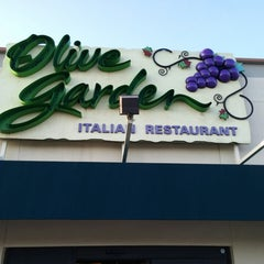 Photo taken at Olive Garden by Mark A. on 8/23/2014