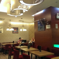 Photo taken at 百怡咖啡 Blenz Coffee / Yeasun Coffee by Елена С. on 10/3/2013