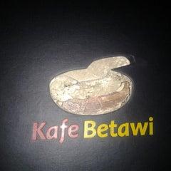 Photo taken at Kafe Betawi by hestu h. on 4/20/2012