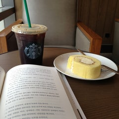 Photo taken at Starbucks by Isabel on 6/8/2013