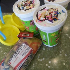 Photo taken at BIGGBY COFFEE by Heather H. on 5/24/2013