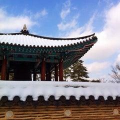Photo taken at 국립중앙박물관 (National Museum of Korea) by Seoul K. on 2/5/2013