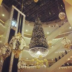 Photo taken at ТРЦ «Галерея» / Galeria Shopping Mall by Ольга А. on 11/14/2013