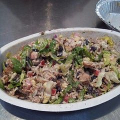 Photo taken at Chipotle Mexican Grill by Hannah K. on 1/2/2013