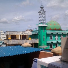 Photo taken at Masjid Al Ma'arif by Wahyudi P. on 12/26/2012
