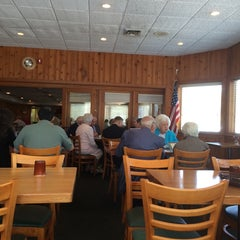 Photo taken at Mrs. Rowe's Restaurant by Patti K. on 4/27/2014