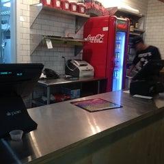 Photo taken at Petey's Burger by JetzNY on 9/29/2013