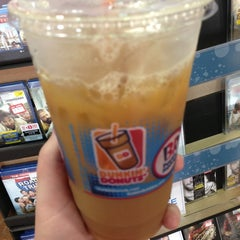 Photo taken at Dunkin Donuts by Jacki M. on 6/1/2013