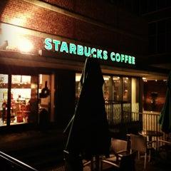 Photo taken at Starbucks Coffee 大阪ガーデンシティ店 by Yutaro T. on 12/20/2012