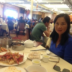 Photo taken at Sun City Seafood by Stanley L. on 3/22/2014