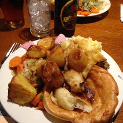 Photo taken at Toby Carvery by James W. on 3/7/2014