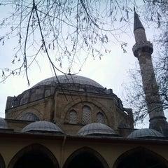 Photo taken at Yeni Cuma Camii by Osman Sercan G. on 1/28/2013