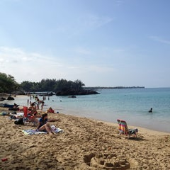 Photo taken at Waialea Beach (Beach 69) by G L. on 12/24/2012