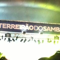 Photo taken at Terreirão do Samba by リネン Lynho O. on 2/16/2013