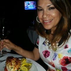 Photo taken at Eddie V's Prime Seafood by Lorie S. on 4/12/2015