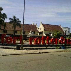 Photo taken at Fort Rotterdam (Benteng Ujung Pandang) by Yus M. on 5/3/2013
