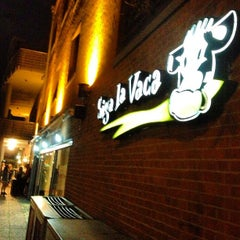 Photo taken at Siga La Vaca by Bruno F. on 4/27/2013