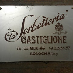 Photo taken at La Sorbetteria Castiglione by Stephen S. on 5/26/2013