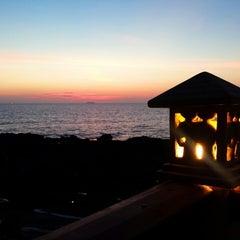 Photo taken at Crown Lanta Resort & Spa by Reg L. on 2/23/2015
