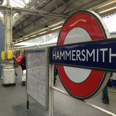 Photo taken at Hammersmith London Underground Station (Circle and H&C lines) by Gloria C. on 5/24/2013