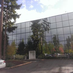 Photo taken at Microsoft, Bldg 121 by Matthew R. on 10/21/2014