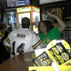 Photo taken at Buffalo Wild Wings by Huisha B. on 10/3/2014